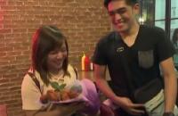 На Філіппінах студент подарував коханій троянди з бекону