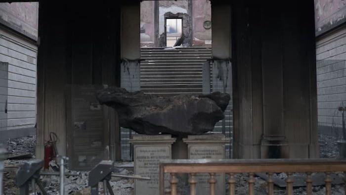 Метеорит Bendegó – один из немногих экспонатов, уцелевших в пожаре
