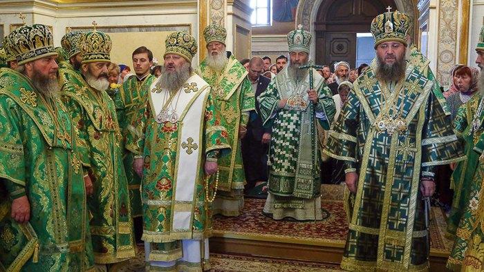 Предстоятель УПЦ МП Митрополит Онуфрий возглавил литургию, Киево-Печерская Лавра, 25 июня, 2018.