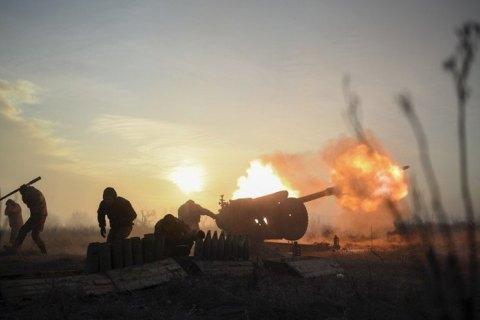 З початку доби в зоні ООС противник 18 разів порушував режим припинення вогню, загинули четверо окупантів