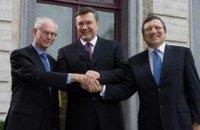 Янукович подозревает Европу в желании с ним подружиться