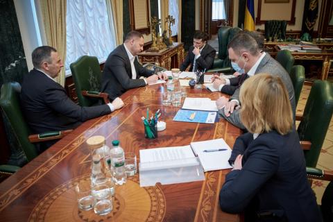 Зеленський запропонував дозволити роботу ринків у маленьких містах