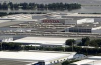 Партия новых автомобилей на 12 миллионов долларов утонула на заводе Honda в Таиланде