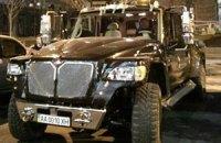 Активисты уже разъезжают на машинах из автопарка Януковича-младшего