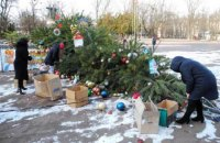 В Переяславе-Хмельницком упала новогодняя елка