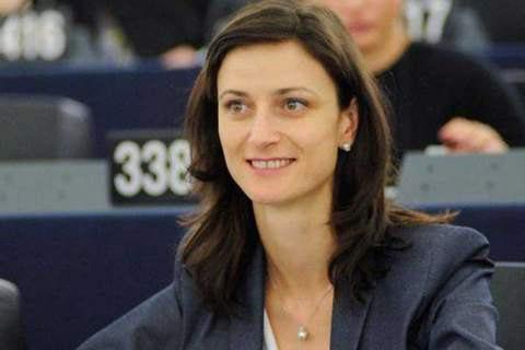 Докладчик Европарламента предложила отменить визы для украинцев