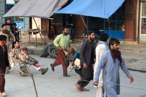 До медцентру в Кабулі доправили понад 30 поранених під час вибуху в аеропорту, шестеро померли