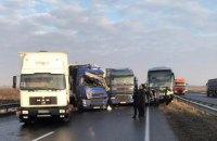 На Одеській трасі через ожеледицю сталася ДТП з 11 автомобілями