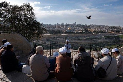 Израиль закрыл доступ ко всем святыням из-за пандемии коронавируса