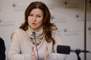 """Богословская не верит, что Янукович прогнулся """"под империю пьянства и нищеты"""""""