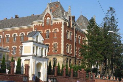 В Дрогобычском педуниверситете преподаватель совершил самоубийство
