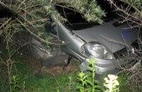 На окраине Киева в жесткой аварии пострадало два человека