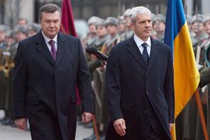 Янукович встречается «с глазу на глаз» с Тадичем