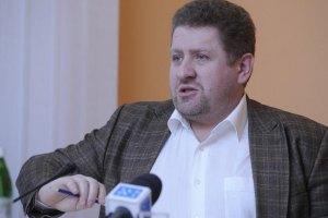 """Политолог объяснил, почему накануне митингов в Киеве """"опаздывают поезда"""""""