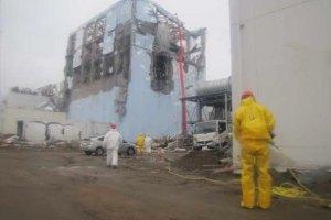 Япония эвакуирует людей из зоны за пределами 20 км вокруг АЭС Фукусима