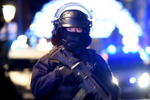 Во Франции уроженец Туниса с ножом напал на полицейский участок, есть жертвы