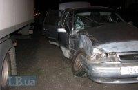 """Через п'яного водія в Києві """"Нексія"""" зіткнулася з вантажівкою"""