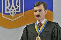 "Оболонський суд оголосив перерву через ""травму"" Януковича"