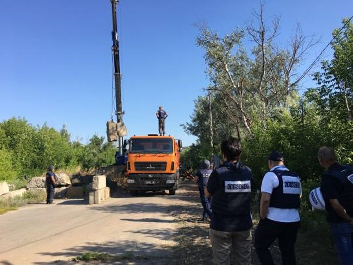 Разведение сил в Станице Луганской