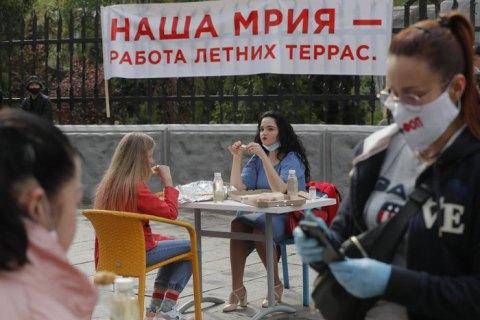 У 35 працівників київських ресторанів і магазинів діагностували COVID-19