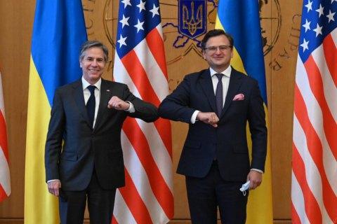 Кулеба і Блінкен обговорили можливість залучення США до мирного врегулювання в Україні