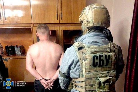 """У Кременці затримали російського """"кримінального авторитета"""", якого розшукував Інтерпол"""