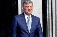 """Президент Туреччини потрапив до лікарні з діагнозом """"отит"""""""