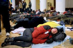 Глава Общественного совета КГГА просит Попова содействовать участникам Майдана в здании мэрии