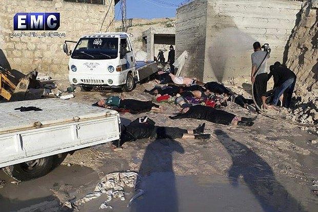 Жертвы химатаки в городе Хан Шейхун, провинция Идлиб, Сирия.