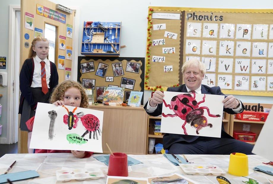 Прем'єр-міністр Великобританії Борис Джонсон відвідує школу в м. Вест-Моллінг, Кент, Великобританія, 20 липня 2020 р.