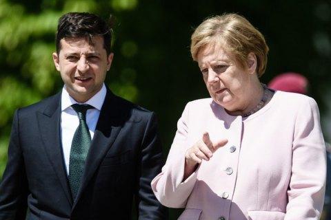 Зеленський запропонував прихильникам зняття санкцій з Росії відвідати Донбас і Крим