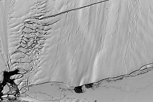 Крупнейший ледник Антарктиды стал таять на 50% быстрее