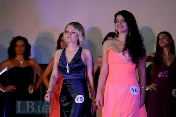 Светловолосая первая вице-мисс и представительница Киевской области Наталья Павлишин, которая говорит, что участие в конкурсе красоты всегда было ее заветной мечтой