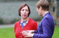 В Естонії звільнили міністра освіти, яка возила своїх дітей до школи на службовій машині