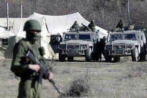 """Біля бази ВМС у Перевальному з'явилися """"КамАЗи"""" з озброєними людьми"""