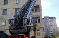 У Тернополі жінка кинула дітей у замкненій квартирі і пішла відзначати Великдень