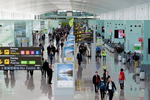 Співробітники аеропорту Барселони почали страйк