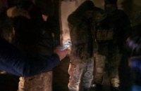 Затриманий з автоматами контрактник виявився вихідцем з фанатських угруповань