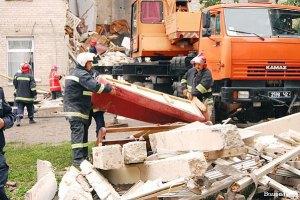 Луцькі рятувальники завершили роботи на місці обвалу будинку
