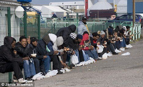 Британську прикордонну службу викрили у зломі та прослуховуванні телефонів мігрантів