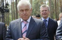 Яценюк ведет в облсовет сына губернатора
