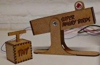 Появился специальный джойстик для игры Angry Birds