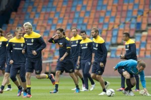 Сборная Швеции приземлилась в Киеве со второй попытки