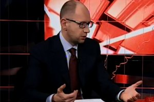 Яценюк рассказал, о чем говорил с Меркель