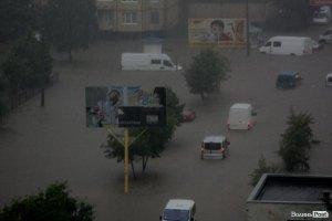 Сильный ливень обошелся бюджету Луцка в 4,5 млн грн