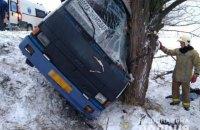 В Херсонской области рейсовый автобус с пассажирами слетел в кювет