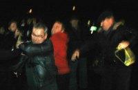 Милиция оттеснила активистов от памятника Дзержинскому в Запорожье (Обновлено)