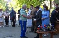 Зеленский пообещал квартиры всем жителям дома на Позняках