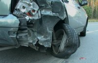 ДТП под Киевом: Toyota на полном ходу протаранила поворачивавший автомобиль