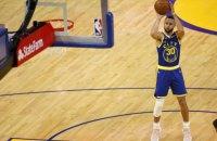 У матчі НБА під час триочкового кидка в залі згасло світло